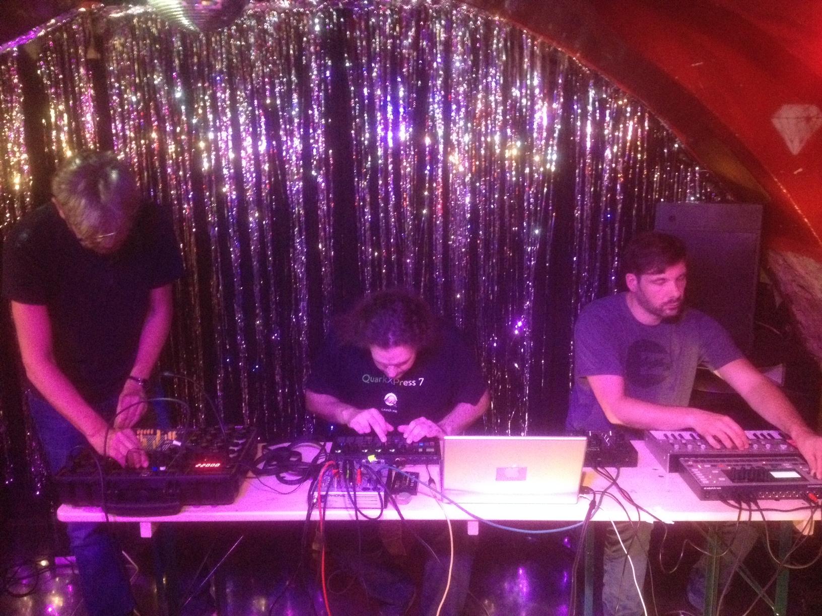 Horch mal, wer da schraubt - Masters at work beim Soundlab im 3kk