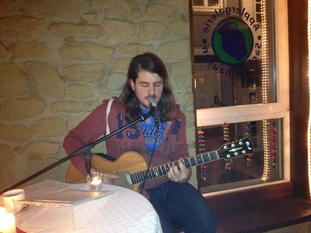 Tim mit Gitarre